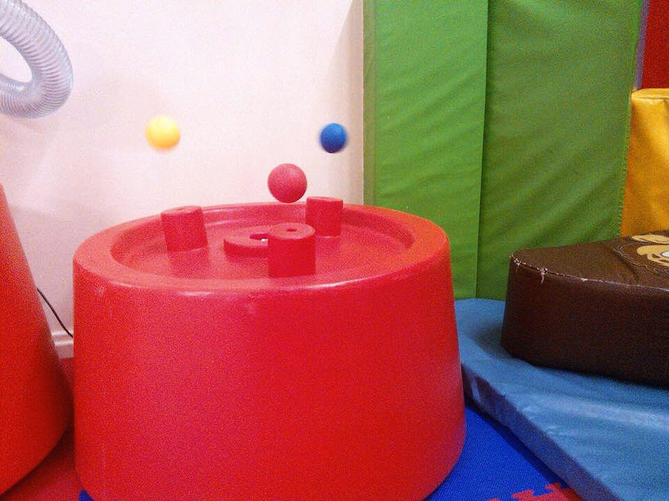 Kenton Soft Play Ball Machine
